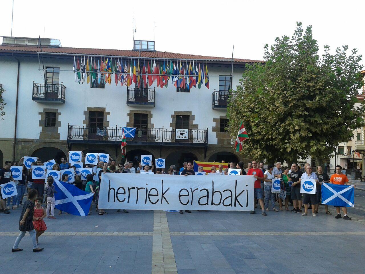 Euskal Herritik ere babesa adierazi diote Eskoziako erreferendumari
