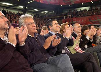 Felipe Gonzalez PSE-EEren mitinean, Eibarren, otsailaren 24an