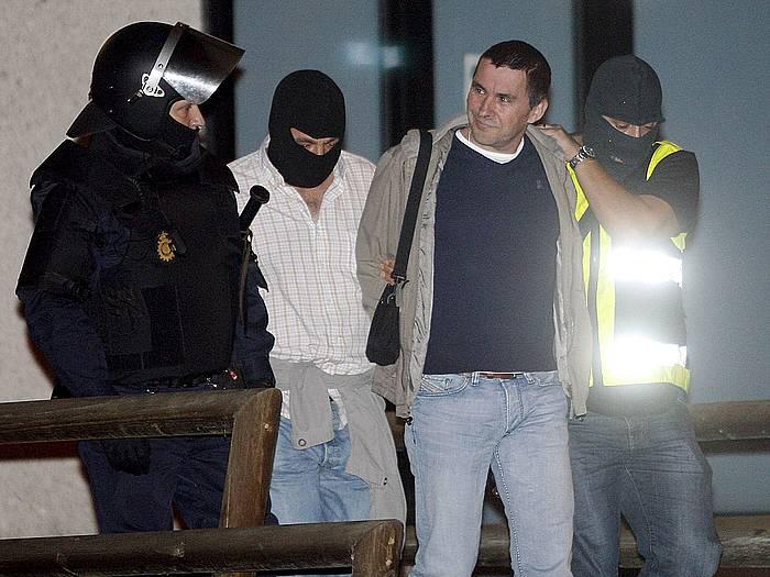 Arnaldo Otegi atxilotua Donostian Bateragune operazioan, Espainiako Poliziak darama LABen egoitzatik