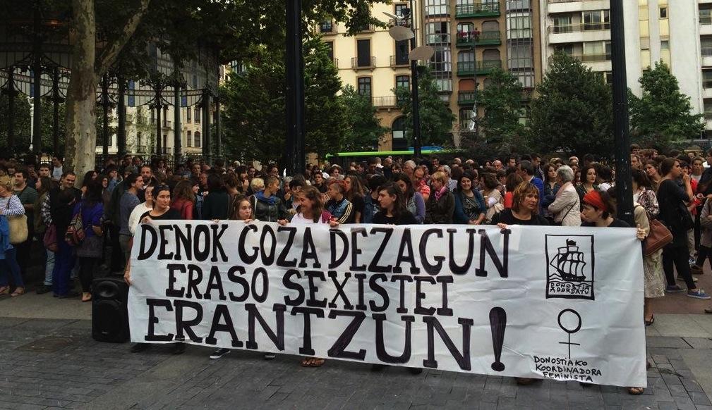 Donostiako Bulebarrean eginiko elkarretaratzea. ©/ @izanpirata
