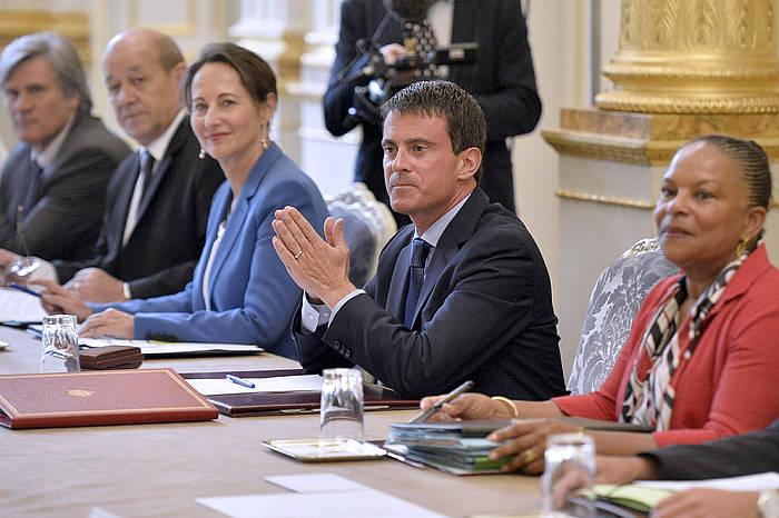 Manuel Valls, erdian, gobernu berriako lehen Ministroen Kontseiluan. ©Fred Dufour / Efe