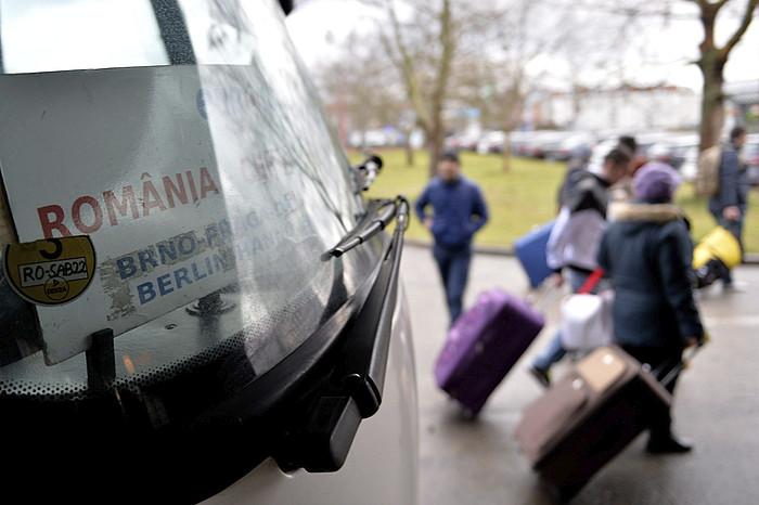 Bukarestetik joandako autobus bat, Berlingo geltoki zentralean. ©Marc Tirl / EFE