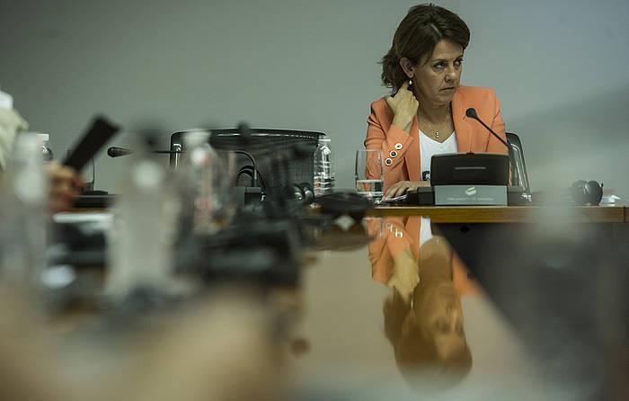Yolanda Barcina, Nafarroako Parlamentuko batzorde baten lan saioan. ©Jagoba Manterola / Argazki Press