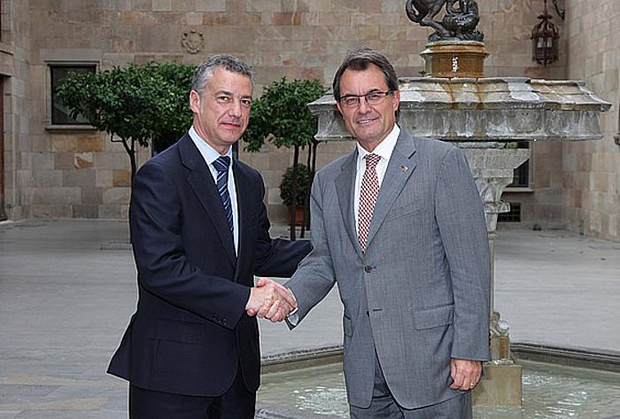 Iñigo Urkullu eta Artur Mas, Bartzelonan, duela bi urteko irailean. Urkullu artean ez zen Jaurlaritzako lehendakaria. ©/ BERRIA