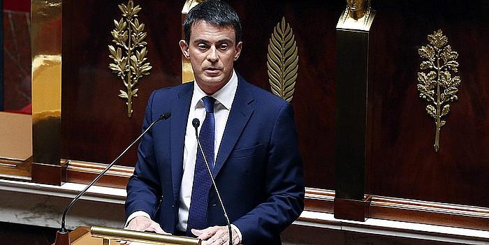 Manuel Valls Frantziako lehen ministroa, atzo, Asanblea Nazionalean, gobernuaren politika orokorra azaltzen. ©IAN LANGSDON / EFE