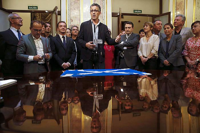 Kongresuko diputatuak, tartean, Xabier Mikel Errekondo Amaiurrekoa, , Aitor Esteban EAJkoa eta Uxue Barkos Geroa Baikoa. / ©Sergio Barrenechea, Efe