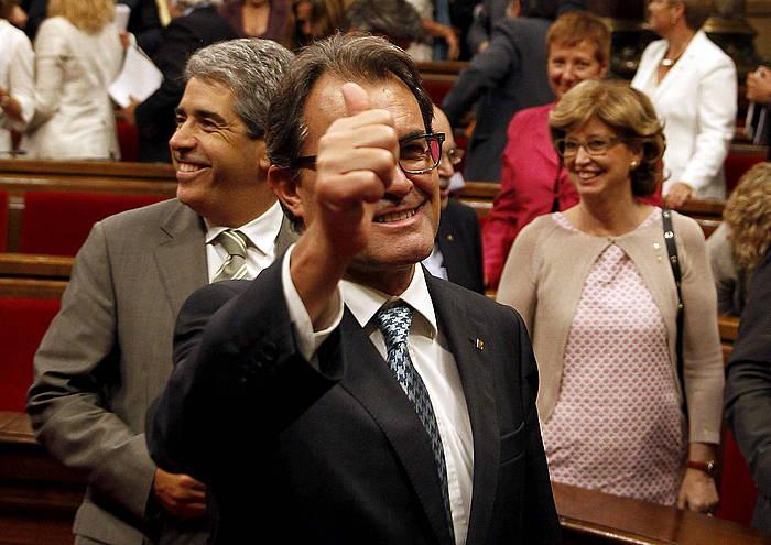 Artur Mas Kataluniako presidentea eta Joana Ortega presidenteordea, parlamentuan. / ©Alberto Estevez, EFE
