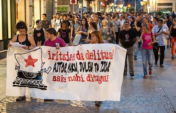 Espetxeratze arriskuan dauden gazteei babesa agertzeko manifestazioa, Bilbon. / ©Monika del Valle / Argazki Press