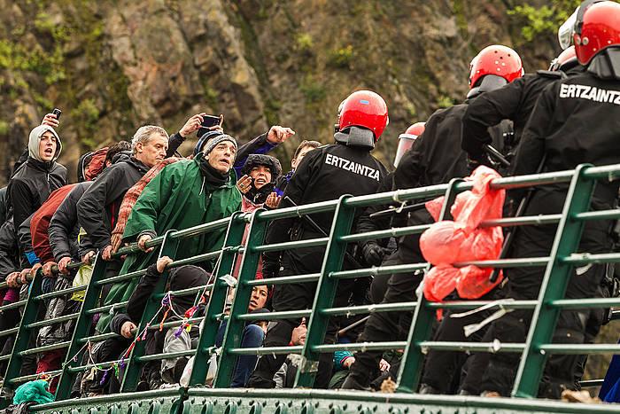 Iazko maiatzean herri harresia egin uzten Ondarroan, Urtza Alkorta babesteko. ©Aritz Loiola / Argazki Press
