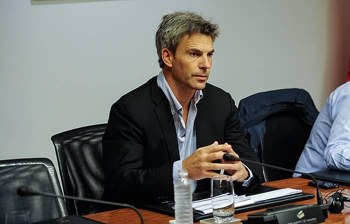 Juan Jose Rubio, Nafarroako Parlamentuan eginiko agerraldian. ©Jagoba Manterola / Argazki Press
