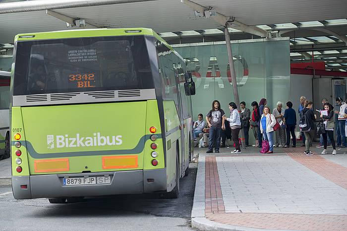 Bizkaibuseko autobus bat, Termibusen. / ©Marisol Ramirez, ARP