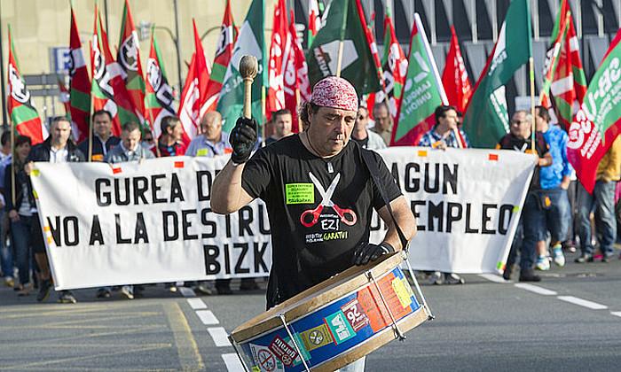Irudian, manifestazioa, atzo, zazpigarren greba egunean. ©MARISOL RAMIREZ/ARP