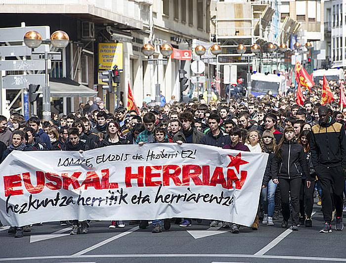 Ikasleen manifestazioa, Gasteizen, Espainiako hezkuntza erreformaren aurka. ©RAUL BOGAJO / ARGAZKI PRESS