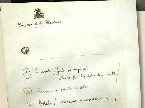 Josu Muguruza HBko diputatuak Madrilen azaroaren 21eko kargu hartzeko saiorako Alcala hotelean egindako oharren orria. / ©Enekoitz Esnaola