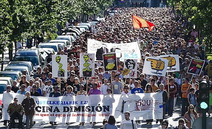 Yolanda Barcina egungo presidentearen dimisioa eskatuz iazko eskainean Iruñean eginiko manifestazioa. ©Iñigo Uriz / Argazki Press