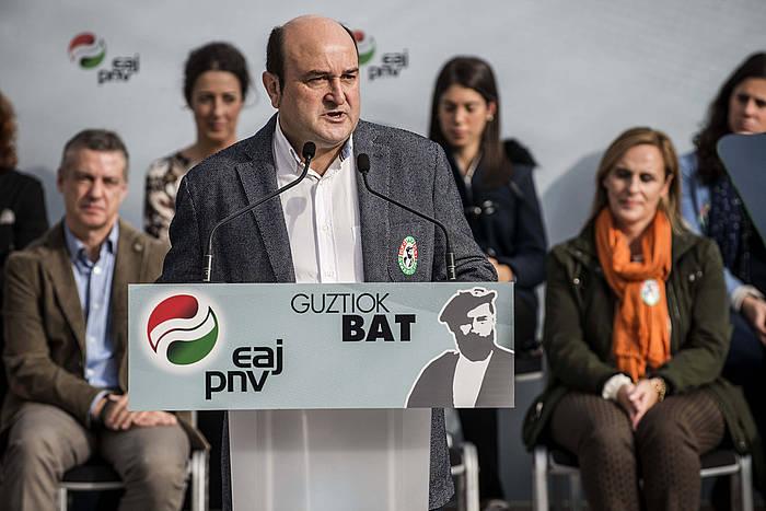 Sabino Arana alderdiko fundatzaileari omenaldia egin zion atzo EAJk, bere heriotzaren 111.urteurrenan. ©Miguel Toña / EFE