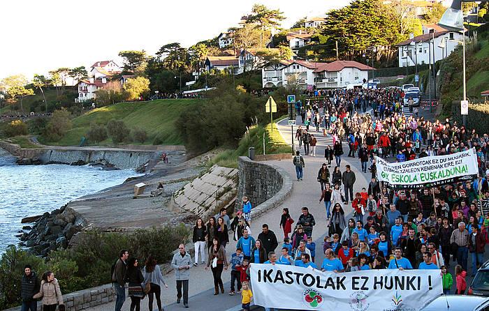 Kaskarotenea Ziburuko ikastolaren alde egindako manifestazioa, Ziburun, azaroaren 8an. / ©Bob Edme