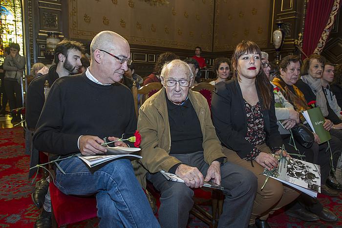 Gipuzkoak bortxazko lanak egindako 125 presoak omendu zituen atzo. ©Jon Urbe / Argazki Press