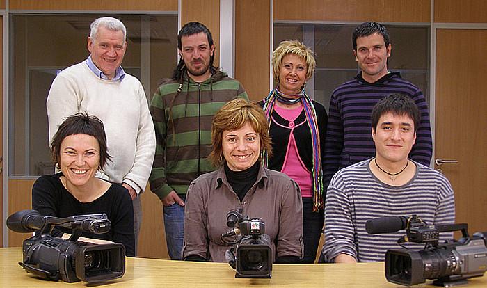 Urtarrilean hasiko dute denboraldi berria Xaloa telebistan. Irudian, telebistako langileak. ©/ Xaloa