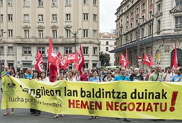 LABek negoziazio kolektiboaren alde iazko urrian Bilbon egindako manifestazioa. ©Jon Hernaez / Argazki Press