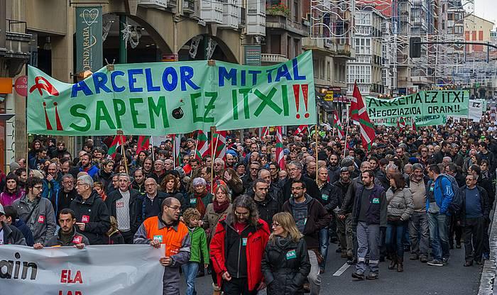 Sindikatuek deitutako manifestazioa gaur Gasteizen. ©/ Argazki Press