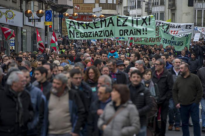 Mnaifestazio jendetsua egin zuten Gasteizen, ELAk, LABek eta ESK-k deituta. ©Juanan Ruiz / Argazki Press