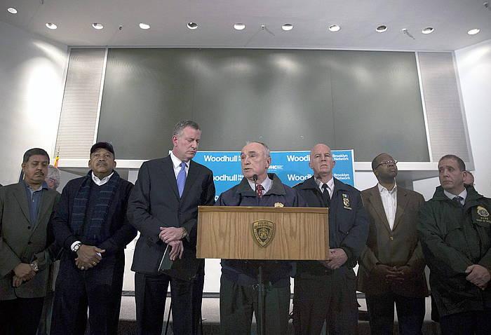 New Yorkeko poliziaburua hilketari buruzko azalpenak ematen. ©John Taggart / EFE