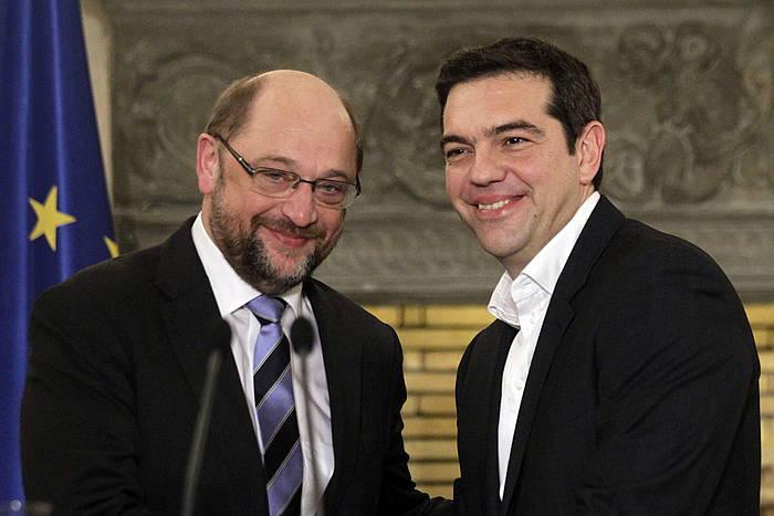 Martin Schulz eta Alexis Tsipras. ©Orestis Panagiotou / EFE