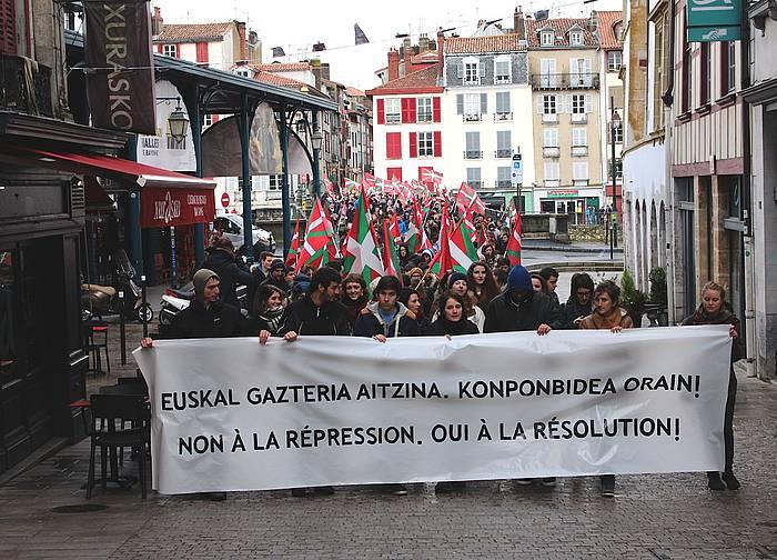 Manifestazio burua. ©/ Nora Arbelbide