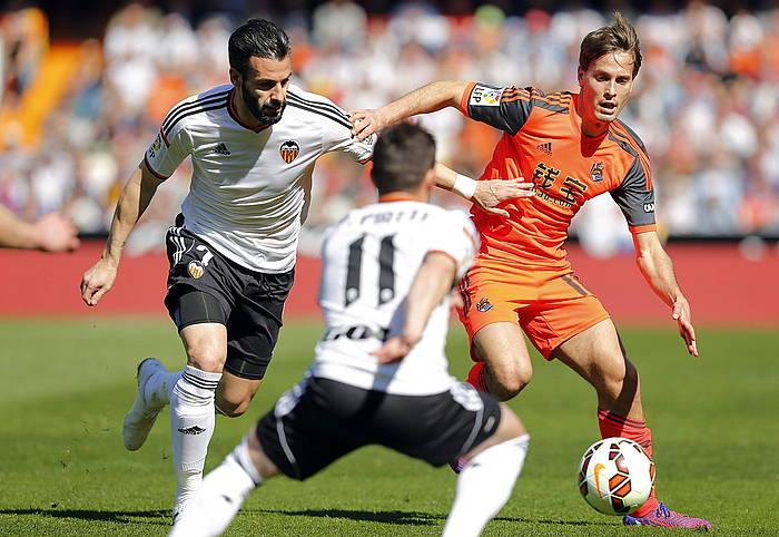 Agirretxe eta Xabi Prieto gola ospatzen, Sevillaren aurka./ ©Juan Carlos Ruiz / Argazki Press