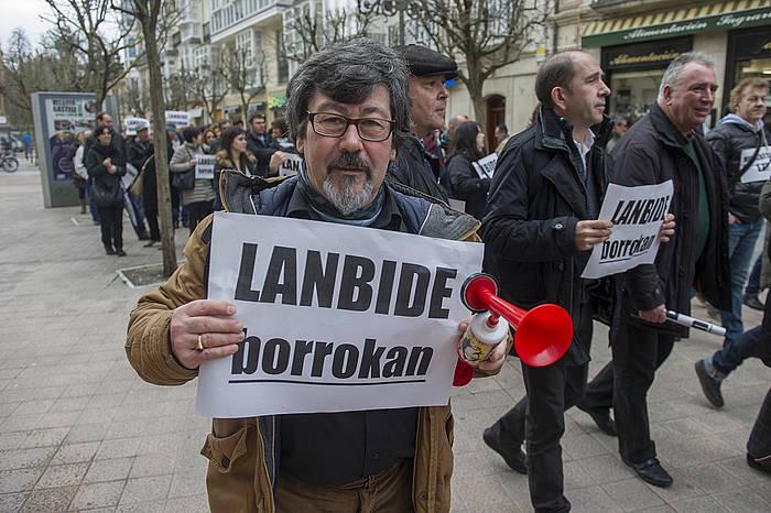 Lanbideko langileak atzo, Gasteizko erdialdean./ ©Juanan Ruiz, Argazki Press