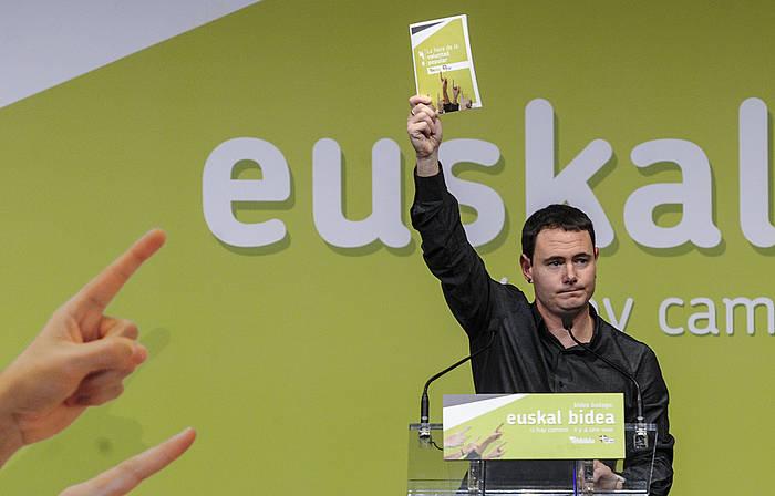 Hasier Arraiz Euskal Bidearen aurkezpenean, Irunen. ©Jagoba Manterola / Argazki Press
