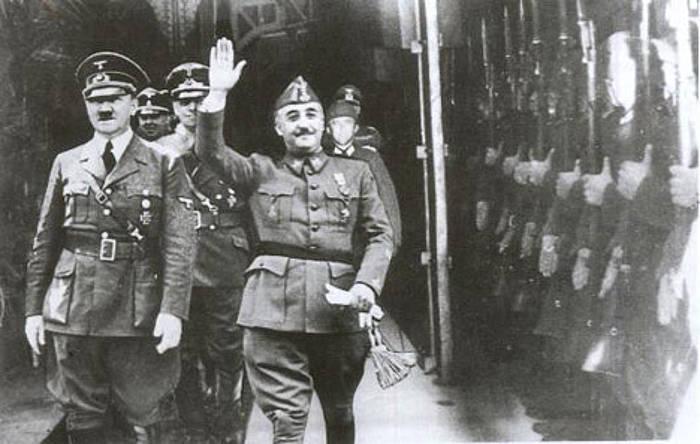 Adolf Hitler alemaniar diktadorea eta Francisco Franco espainiarra elkarrekin Hendaiako tren geltokian izandako bileran./ ©Berria