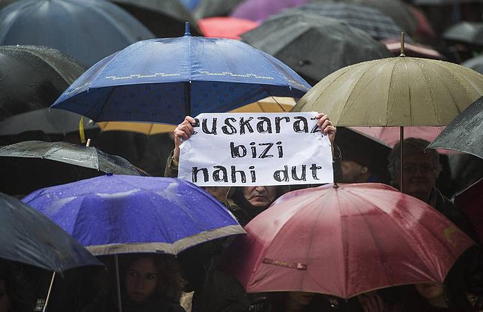 'Oztopo guztien gainetik euskaraz biziko gara' lelopean, manifestazioa egin zuten otsailean Donostian. ©Jon Urbe / Argazki Press