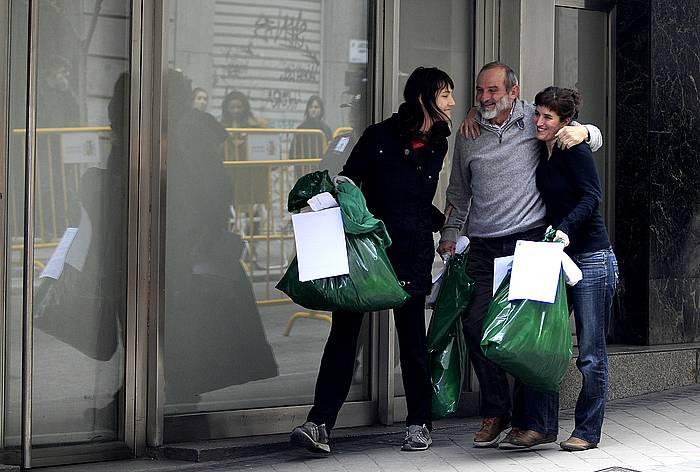 Izaskun Abaigar, Fernando Arburua eta Oihana Barrios, libre geratu ostean. ©J. Danae / Argazki Press