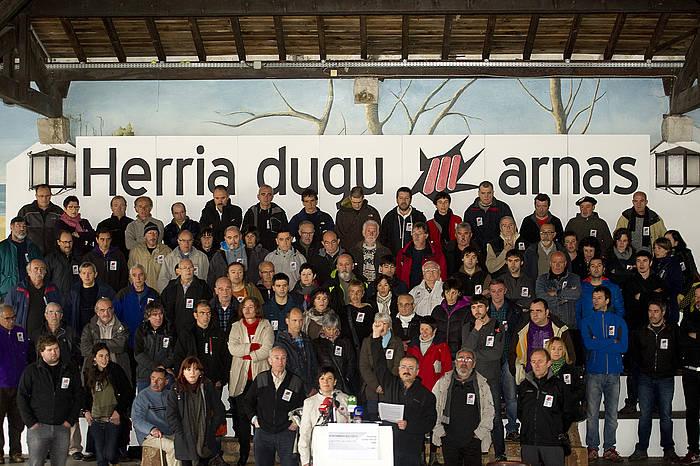 Euskal Iheslari Politikoen Kolektiboaren agerraldia, 2013ko martxoan, Miarritzen./ ©Jon Urbe, Argazki Press