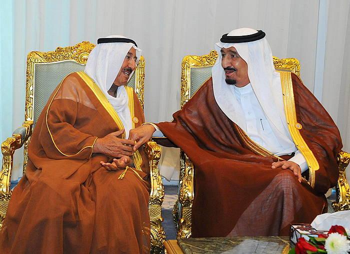 Sabah al-Ahmad Kuwaiteko emirra eta Salman bin Abdelaziz  Saudi Arabiako erregea, Arabiar Ligako bilkuran, Egipton./ ©OFFICE OF THE EGYPTIAN PRESIDENT