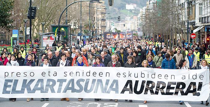 Presoen senideen aurkako polizia operazioa salatzeko manifestazioa, Donostian./ ©Juan Carlos Ruiz / Argazki Press
