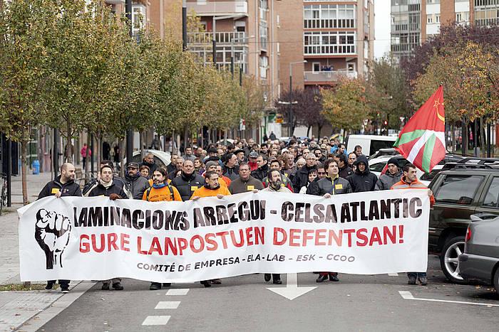 Celsa Atlantic-eko langileen 2013ko protesta bat, lanpostuen murrizketak salatzeko./ ©David Aguilar, EFE