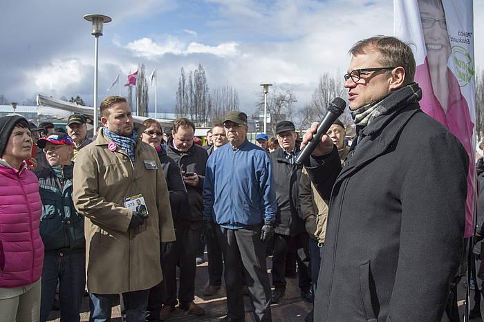 Juha Sipila oposizioko Zentroko Alderdiaren burua, hitzaldi bat ematen Vantaa hirian, aste honetan./ ©MARKKU OJALA, EFE