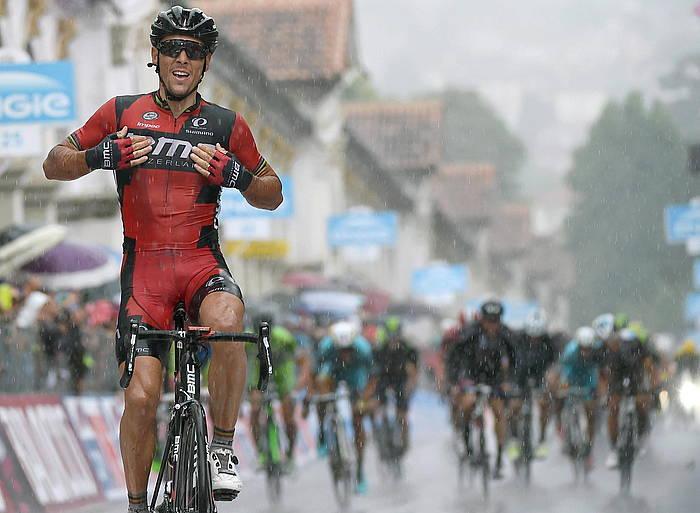 Philippe Gilbert belgikarra (BMC), etapa garaipena ospatzen, atzo, Vicenzan./ ©DANIEL DAL ZENNARO / EFE