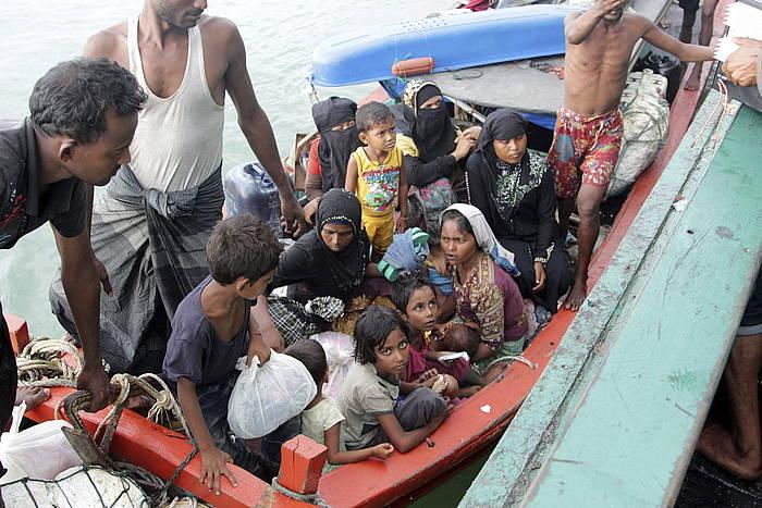 Lehengo astean Indonesian erreskatatutako migratzaileen itsasontzi bat. ©STR