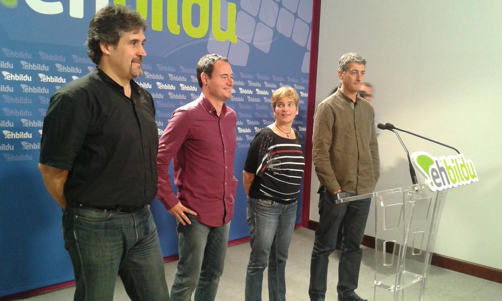 Pello Urizar, Hasier Arraiz, Rebeka Ubera eta Oskar Matute, gaur, Donostian. ©/ Berria