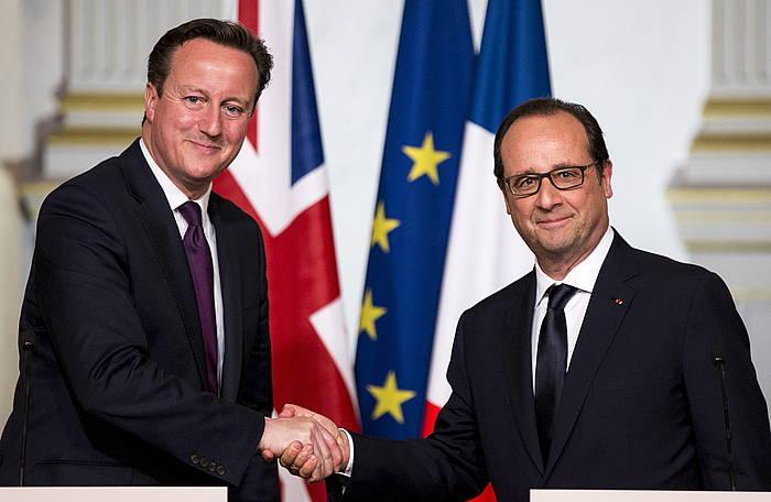 Cameron Erresuma Batuko lehen ministroa eta Hollande Frantziako presidentea, atzo, Parisen./ ©ETIENNE LAURENT / EFE
