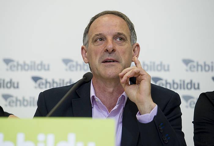 Adolfo Araiz, atzo, Iruñeko agerraldian./ ©Iñigo Uriz, Argazki Press