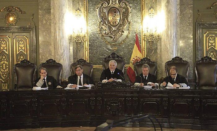 Auzitegi Gorenak ezarritako irizpideaz Europako justiziari galdetu edo ez erabaki behar zuen Auzitegi Nazionalak. ©Victor Lerena / EFE