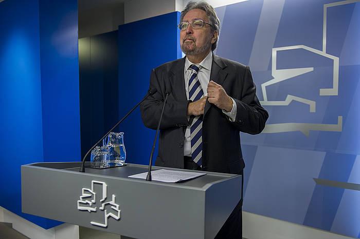 Manuel Lezertua, parlamentuko agerraldi batean. ©/Juanan Ruiz, ARP