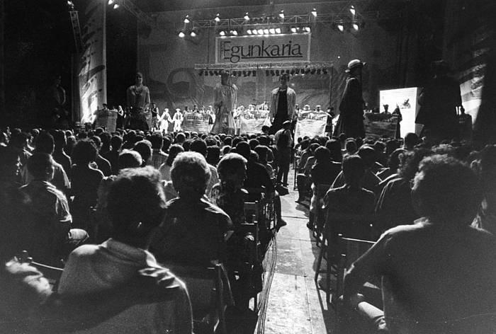 Musika, bertsoa, dantza eta umorea izan ziren ospakizunaren ardatz nagusiak. ©/ Euskaldunon Egunkaria