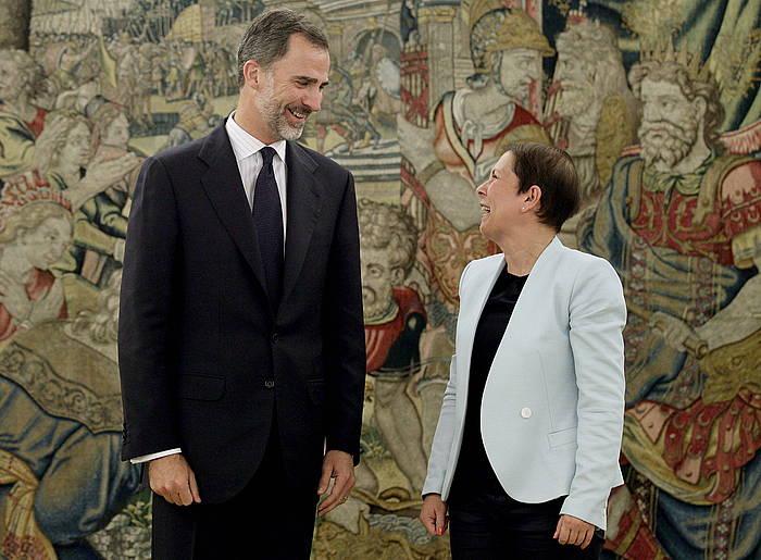 Espainiako errege Felipe VI. eta Nafarroako lehendakari Uxue Barkos, gaur, bileran. / ©JuanJo Martin, Efe