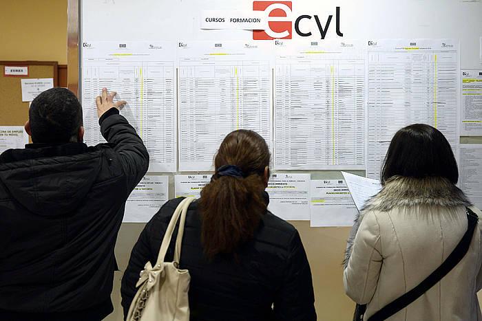 Langabeak INEMen bulego batean, Valladoliden (Esainia). ©Nacho Gallego / EFE
